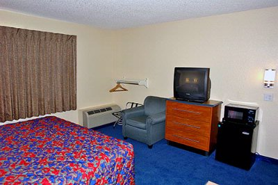 Motel 6 Irvine Orange County Airport 1 of 8