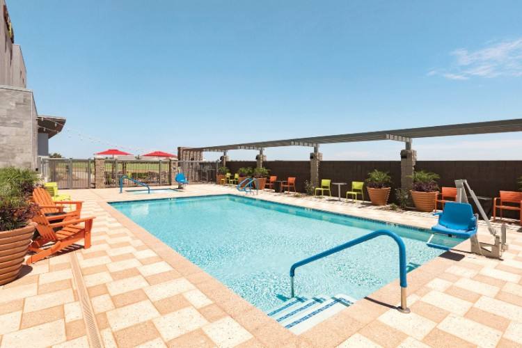 Outdoor Pool With 2 Gas Grills 16 of 16