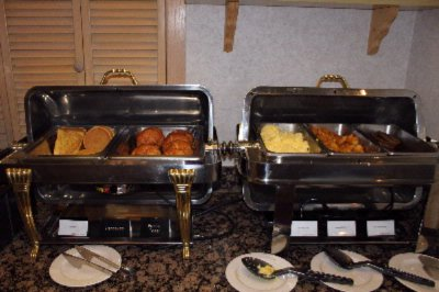 Complimentary Daily Hot Breakfast 12 of 14
