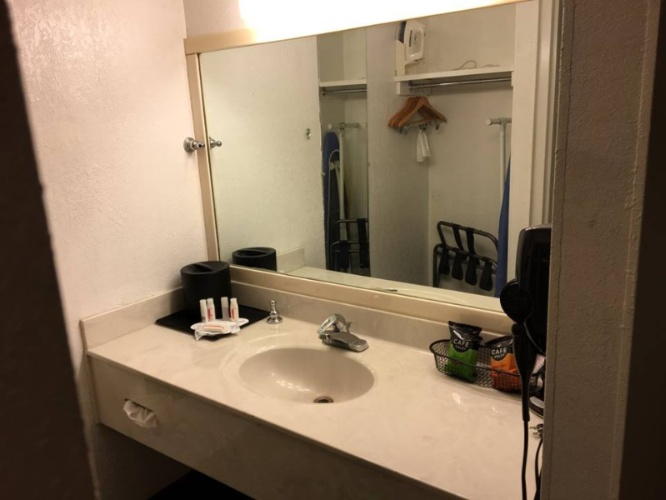 Vanity With Amenities 20 of 22