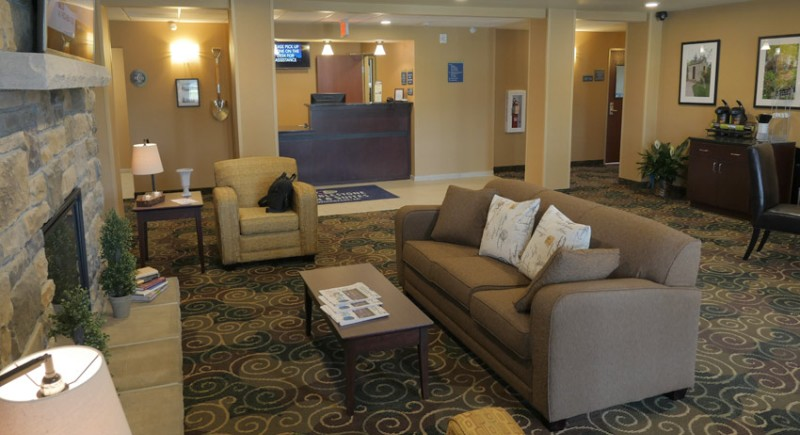 Front Lobby 3 of 9
