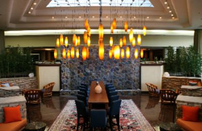 Doubletree by Hilton Denver Aurora A Bright Contemporary Decor Welcomes You To The Doubletree Denver Southeast.