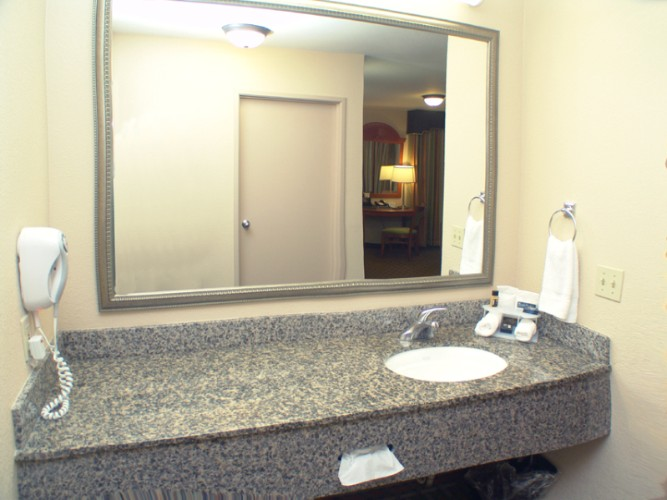 King Suite Vanity 12 of 13