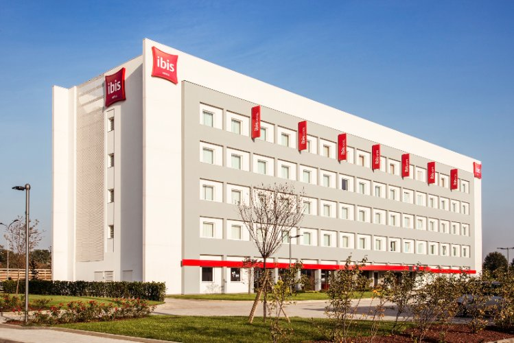 Ibis Milano Fiera 1 of 11