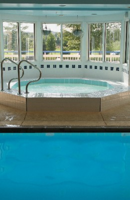Indoor Heated Pool And Whirlpool Spa 3 of 6