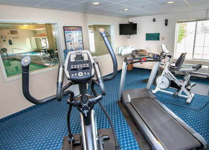 Fitness Room 9 of 11