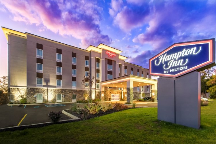 Hampton by Hilton Lockport 1 of 5