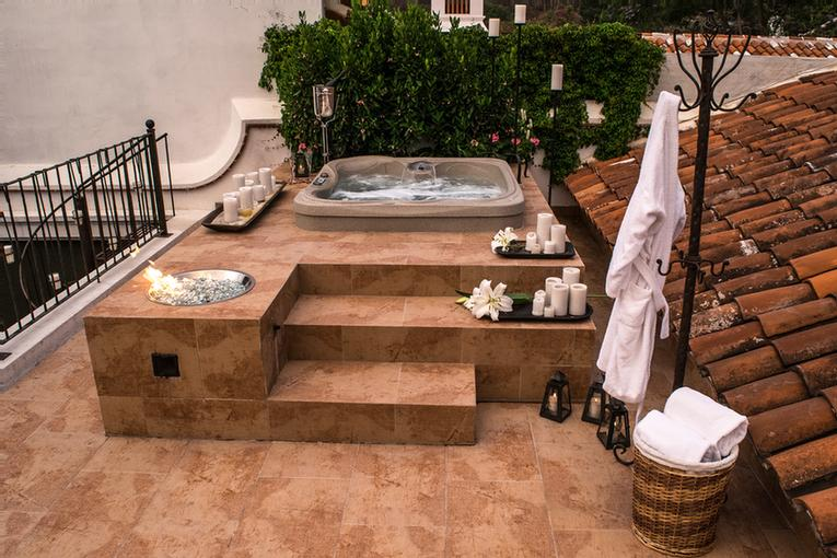 Jacuzzi 18 of 31