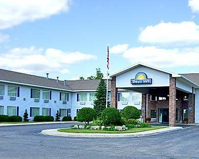 Days Inn Cadillac 1 of 8