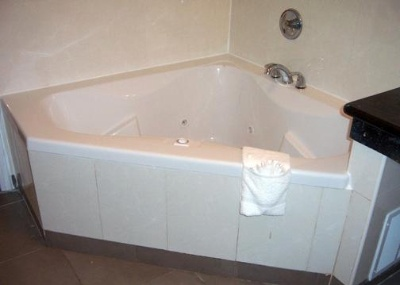 Jacuzzi In Suites 8 of 10