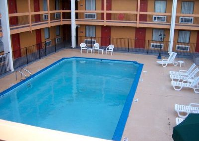 Outdoor Heated Swimming Pool 9 of 10