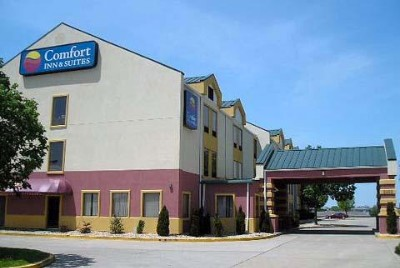 Comfort Inn & Suites 1 of 22