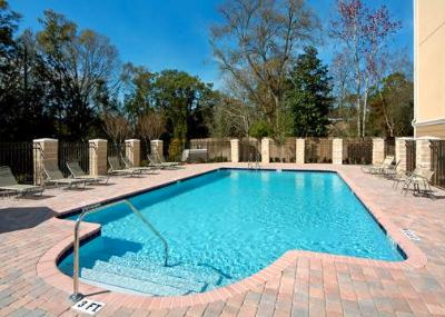 Outdoor Pool With Sundeck 7 of 9