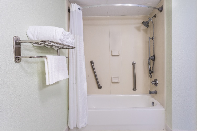 Handcap Accessible Bathroom W/ Tub 15 of 17