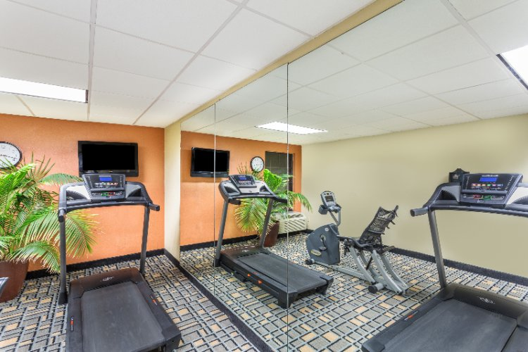 Exercise Room 8 of 17