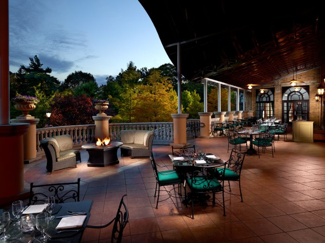 Robert\'s Restaurant Terrace 5 of 15