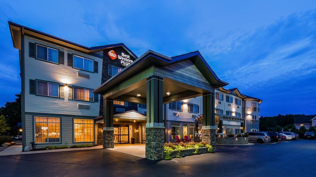 Best Western Plus Vineyard Inn & Suites 1 of 13