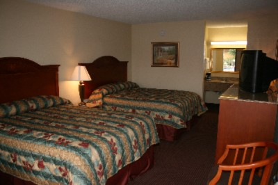 Pigeon Forge Inn & Suites 1 of 6