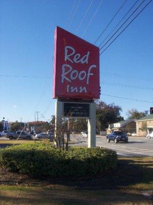 Captivating Red Roof Inn Savannah Midtown 1 Of 6 ...