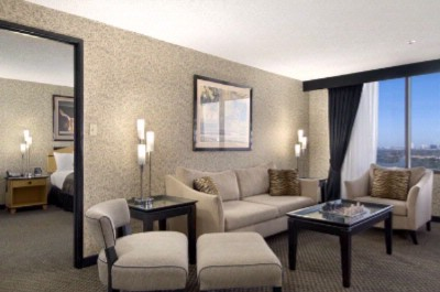 Executive Suite With Parlor Room 13 of 13