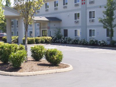 Hotel Exterior 4 of 18