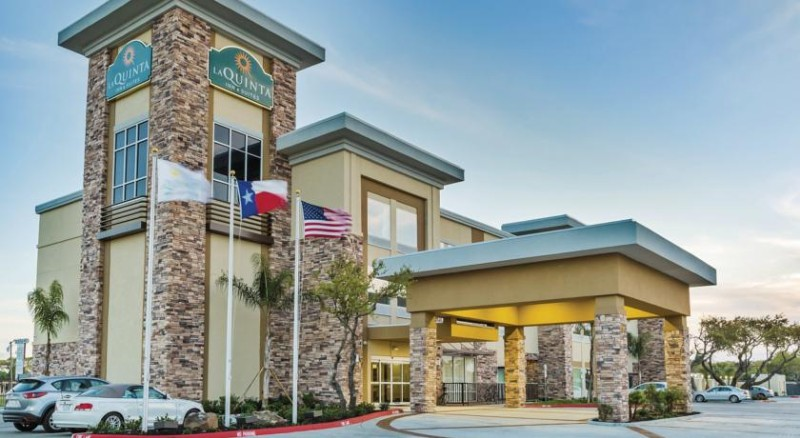 La Quinta Inn & Suites Rockport Texas 1 of 21