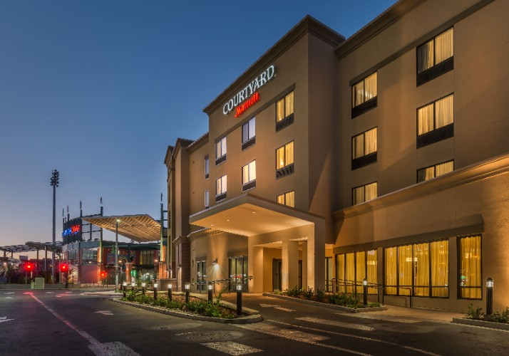 Courtyard by Marriott Reno Downtown Riverfront 1 of 31