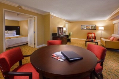 Vice Presidential Suite 5 of 9