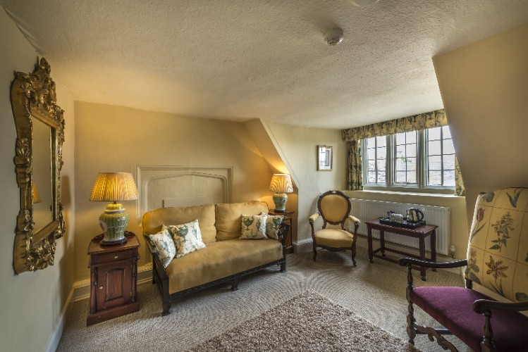 Fotheringhay Suite -Sitting Room 21 of 27