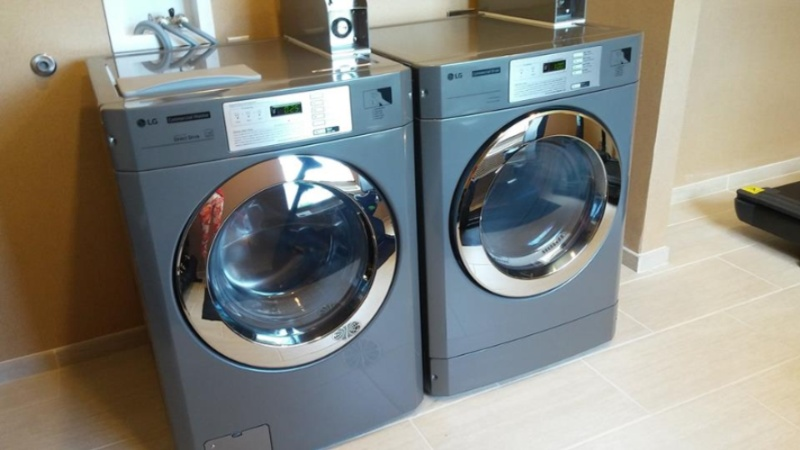 Guest Laundry 7 of 10