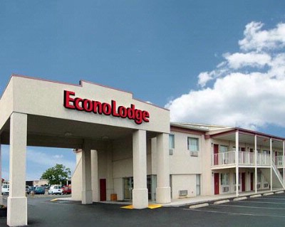 Econo Lodge East 1 of 6