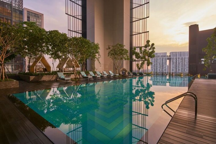 Club Floor Swimming Pool (Open Only To Club Guests) 6 of 10