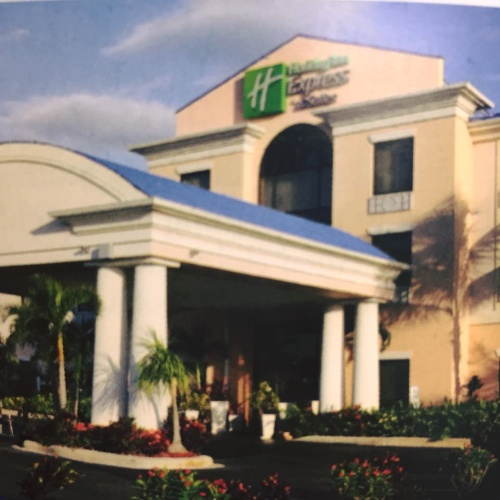 Holiday Inn Express Hotel & Suites Lake Okeechobee 1 of 10