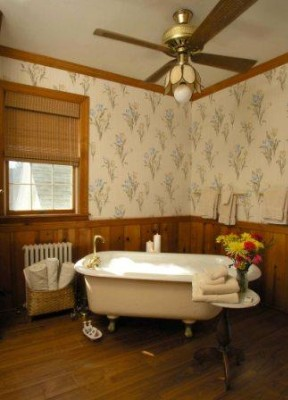 Claw Foot Soaking Tub In A River Room Bathroom 7 of 11