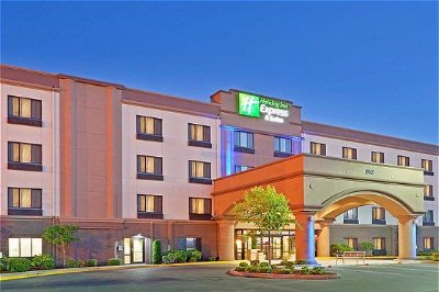 Holiday Inn Express Puyallup 14 of 26