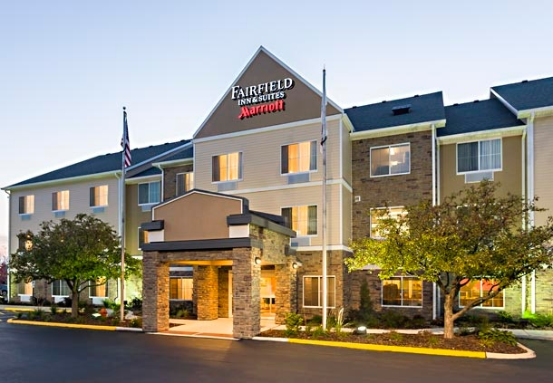 Fairfield Inn & Suites 1 of 16
