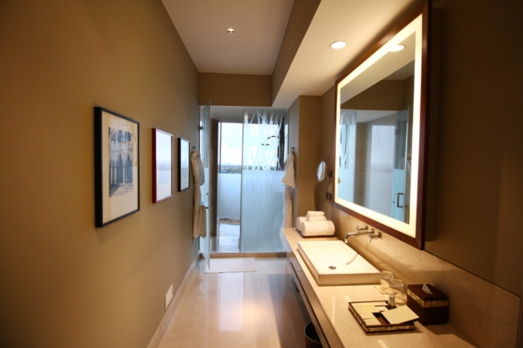 Bathroom Area Of Deluxe Room 9 of 9