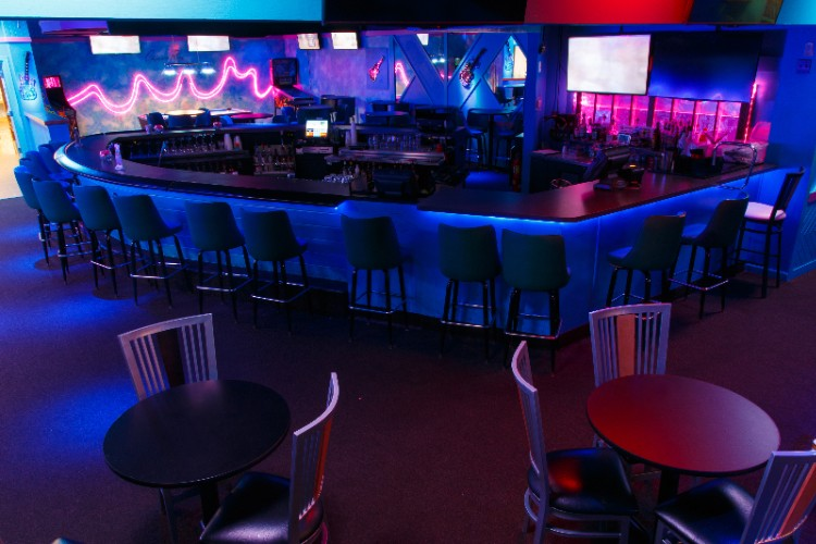 Sports Bar 18 of 29