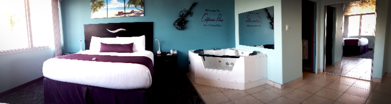 Jacuzzi Suite 7 of 29