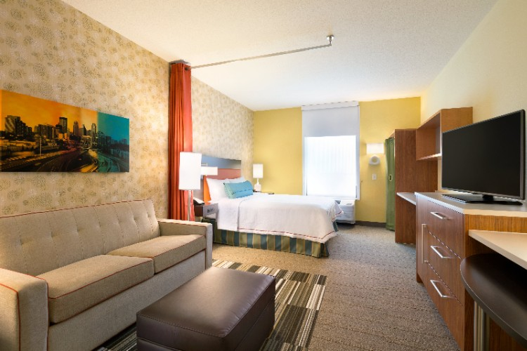 Home2 Suites by Hilton Minneapolis Bloomington 1 of 16