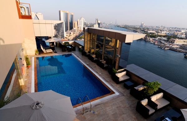 Roof Top Pool 16 of 25