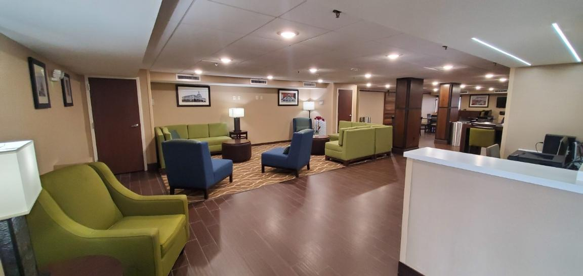 Comfort Inn Oxon Hill 1 of 7