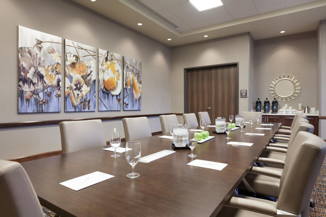 Aspen Boardroom (500 Sq. Ft Meeting Space) 7 of 8