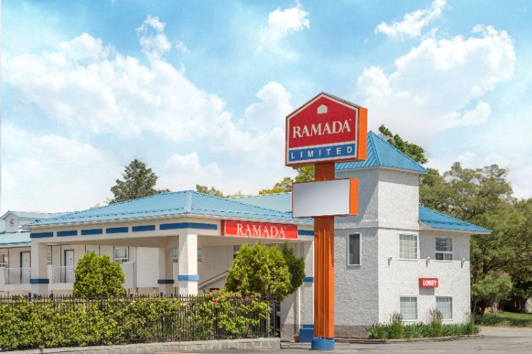 Ramada Limited Grand Forks B.c. 1 of 8