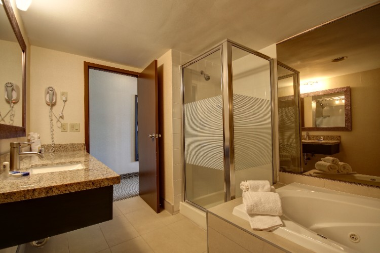 Our King Room With Spa Is The Perfect Place To Relax 6 of 8