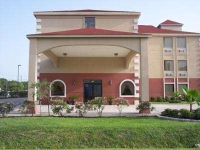 Garden suites la porte la porte tx 107 north 8th 77571 for Hotels in la porte tx