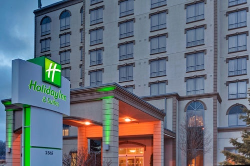 Holiday Inn & Suites Mississauga 1 of 10