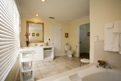 Private Bath With Double Soaking Tub 7 of 11