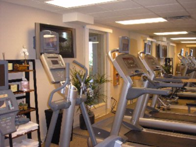 Hotel Fitness Center 14 of 31