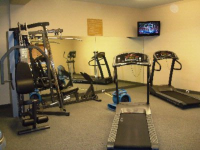 Work Out On Your Schedule In Our Fitness Center 3 of 8